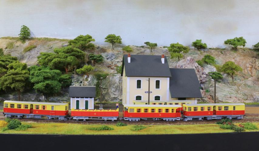 Tca342cr2 trainjaunesaillagouse004 resized